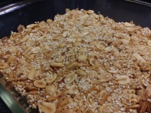 Peanutty low-carb granola